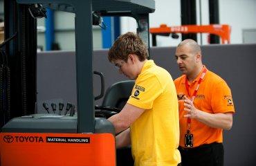 La manutenzione ordinaria dei carrelli elevatori
